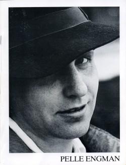 1985 Brochyr med hatt